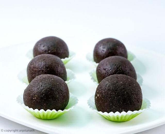 chocolate dates laddu 1