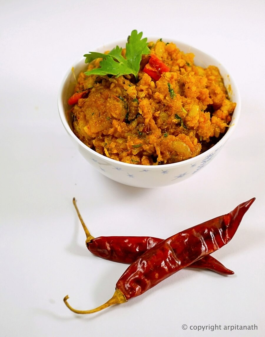 Lote macher bharta bengali recipe indian recipe food indian macher jhuri is a spicy fish curry very popular throughout bengal this fish is known by different names and spellings in west bengal and bangladesh forumfinder Images